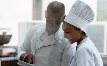 personnel en restauration profite de formations gratuites